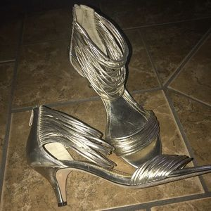 Vince Camuto Tate Mitten Heels- Size 9.5